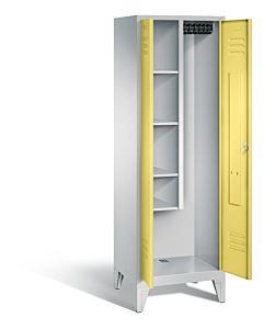 Poetsmiddelen-bezemkast met poten en naar elkaar toeslaande deuren S 2000 Classic